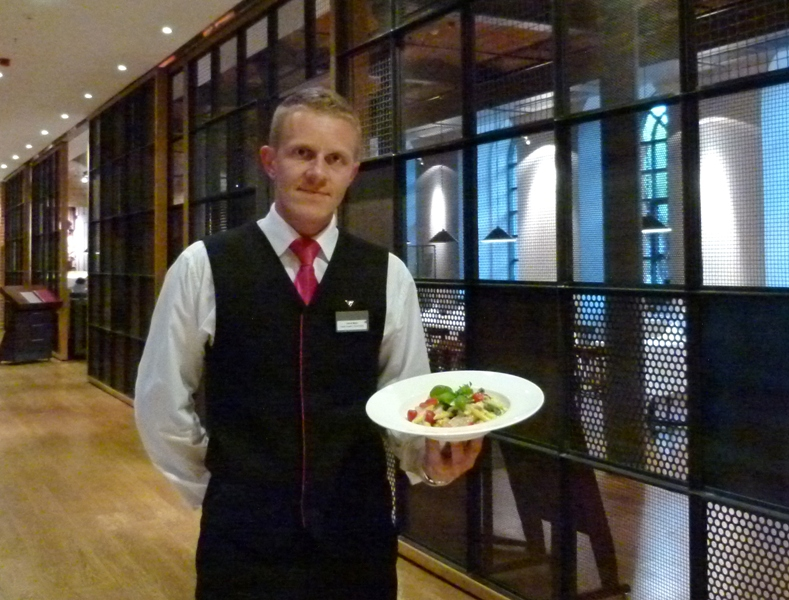 Jakub Majer - trener kelnerów i sommelier w Restauracji Delight