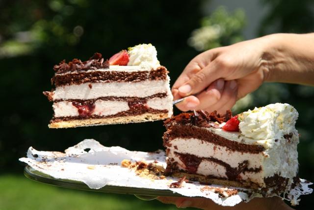 Pyszne ciasta i fatalna obsługa, czyli jak zepsuć wizytę w cukierni.