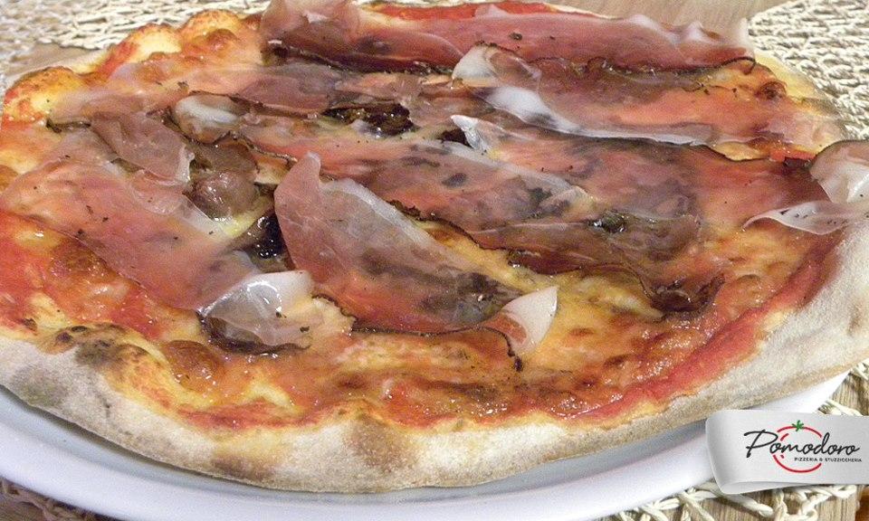 Pizza z menu Pomodoro - fot. Facebook
