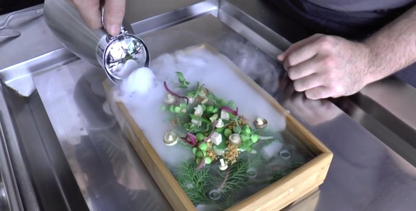 Jak powstają dania w ekskluzywnych restauracjach fot. screen z YouTube