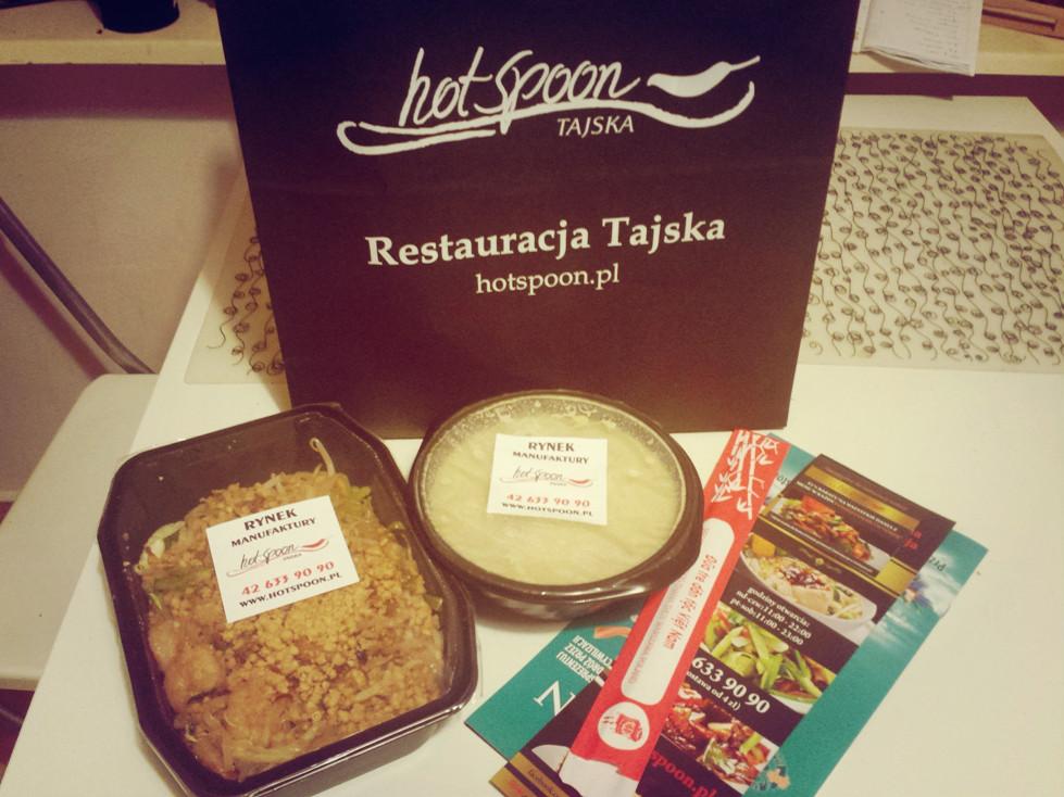 Dostawa z tajskiej restauracji Hot Spoon