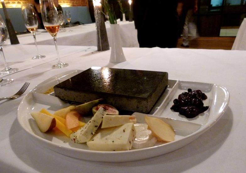 Grillowanie na kamieniach w restauracji Delight