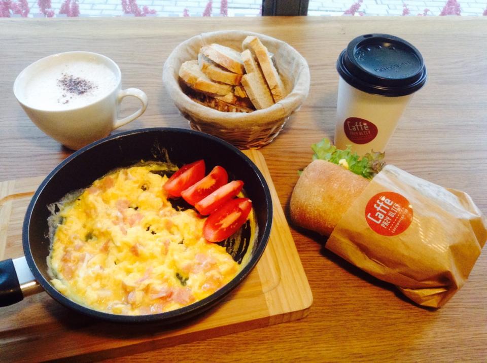Śniadanie w Caffe przy Ulicy - fot. FB/Caffe przy Ulicy