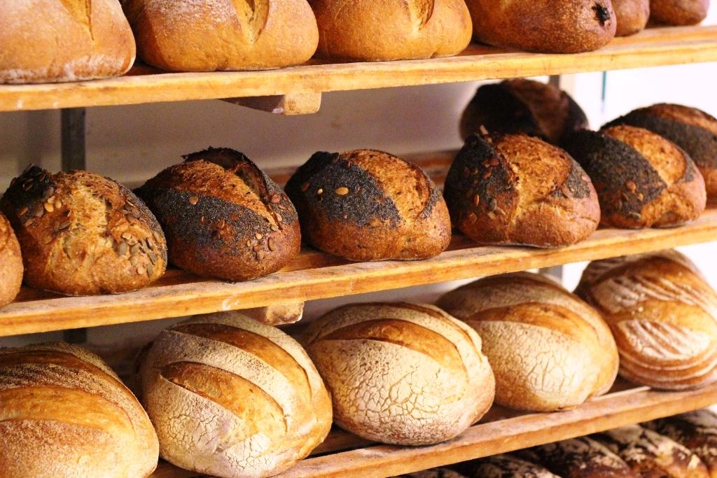 Montag od kuchni - jak piecze się prawdziwy chleb?
