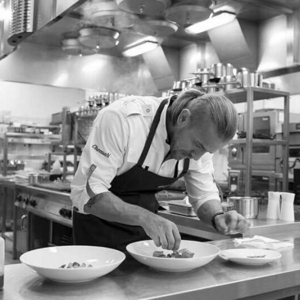 Sebastian Krauzowicz, szef kuchni restauracji Sfera w Toruniu