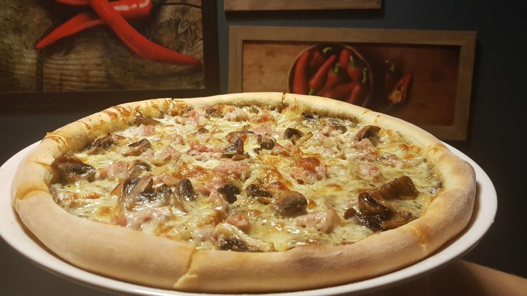 Festiwalowa pizza z restauracji DaVella