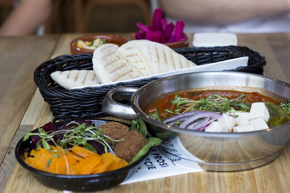 Wegańskie śniadanie w Tel Aviv