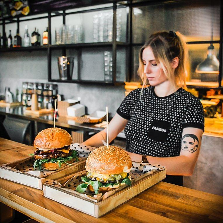 Pasibus – w końcu próbujemy burgerów w Manu
