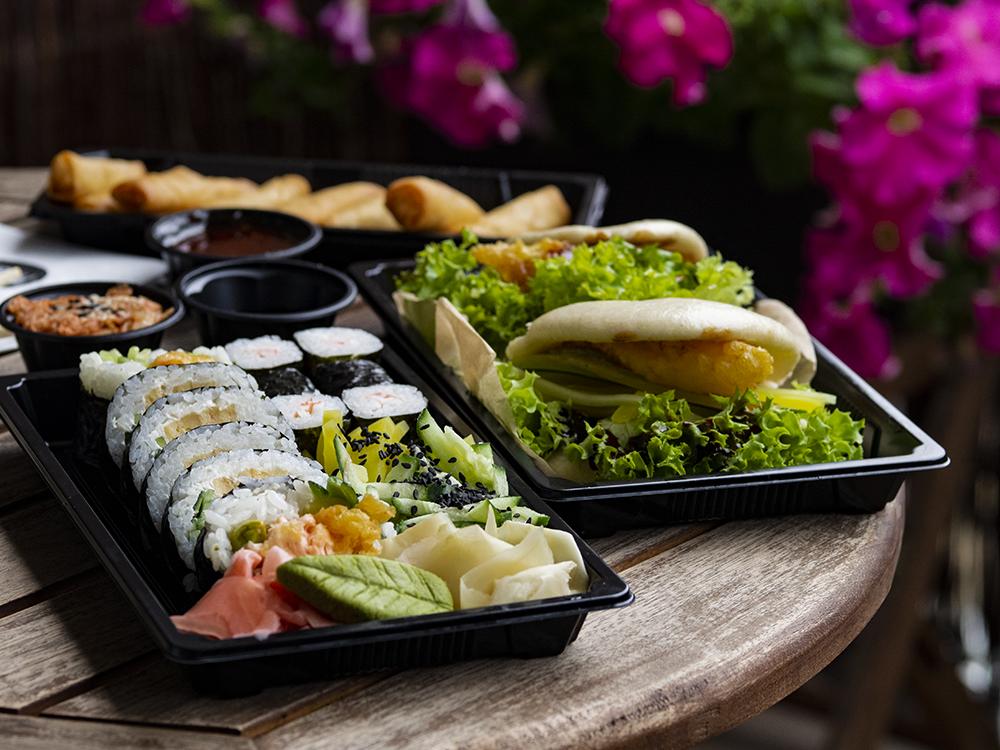 Sushi w dostawie – więcej niż rolki