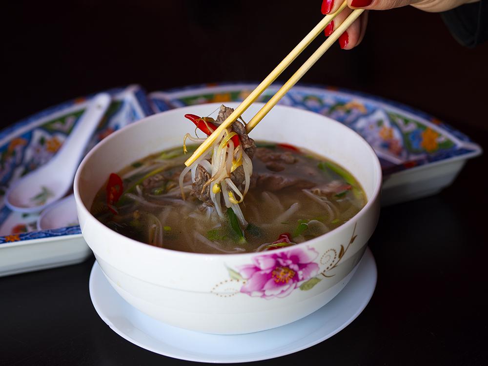 Ha Long - pho ze smażoną wołowiną